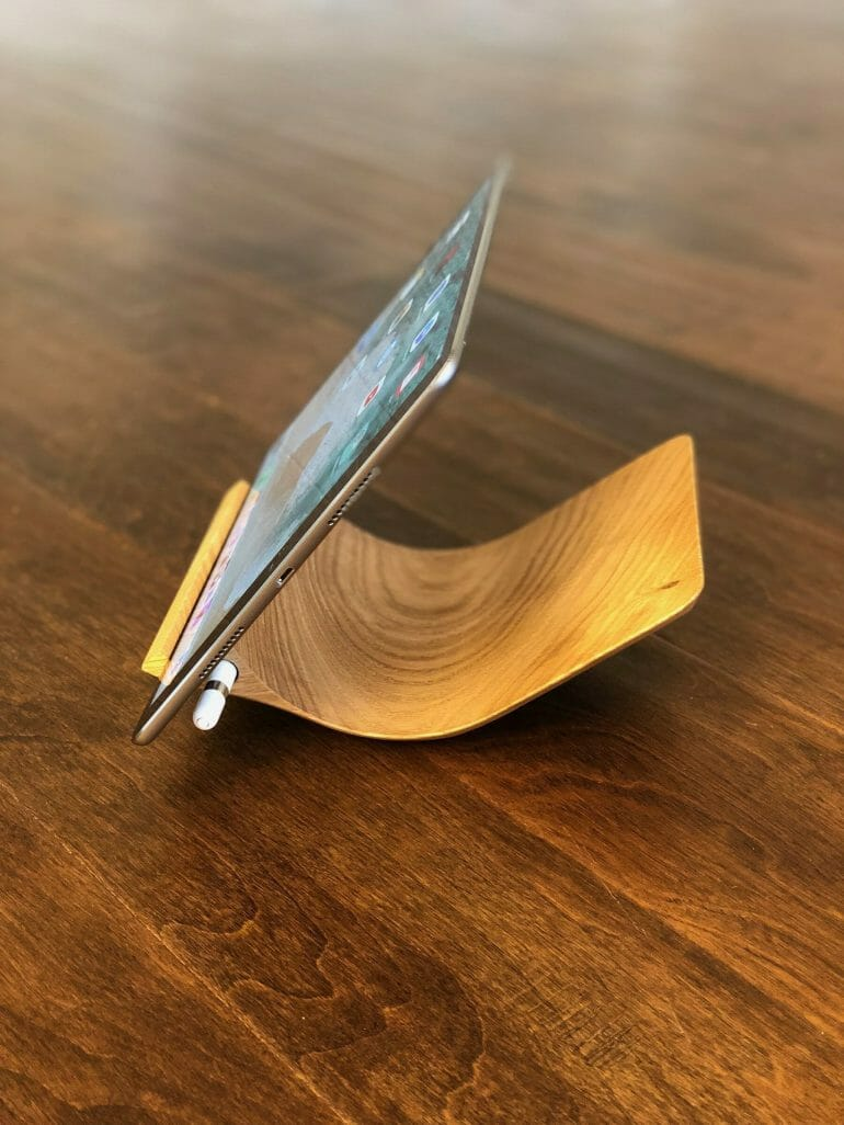 Yohann iPad Stand with iPad Pro