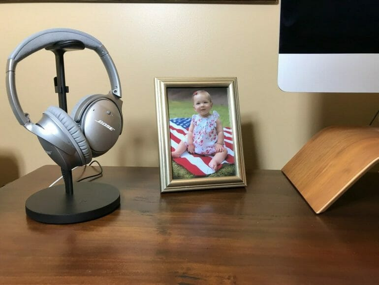 Review: Twelve South charging stand for wireless headphones