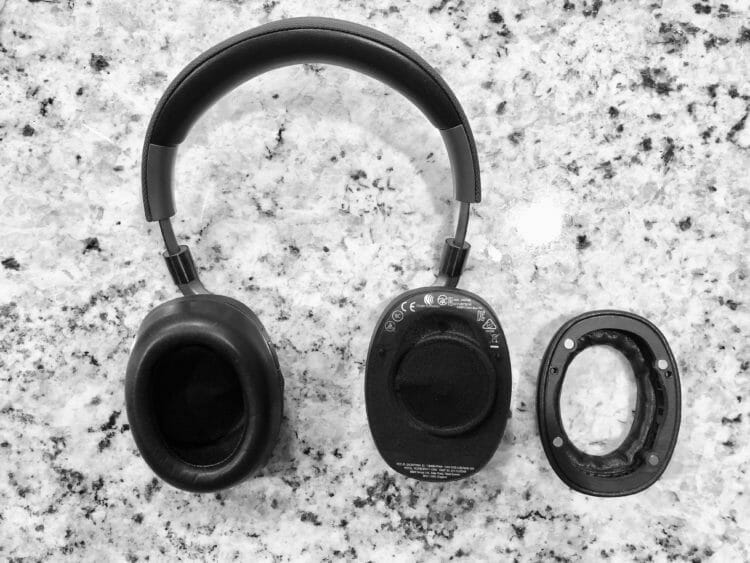The magnetic ear cups of the B&W PX headphones