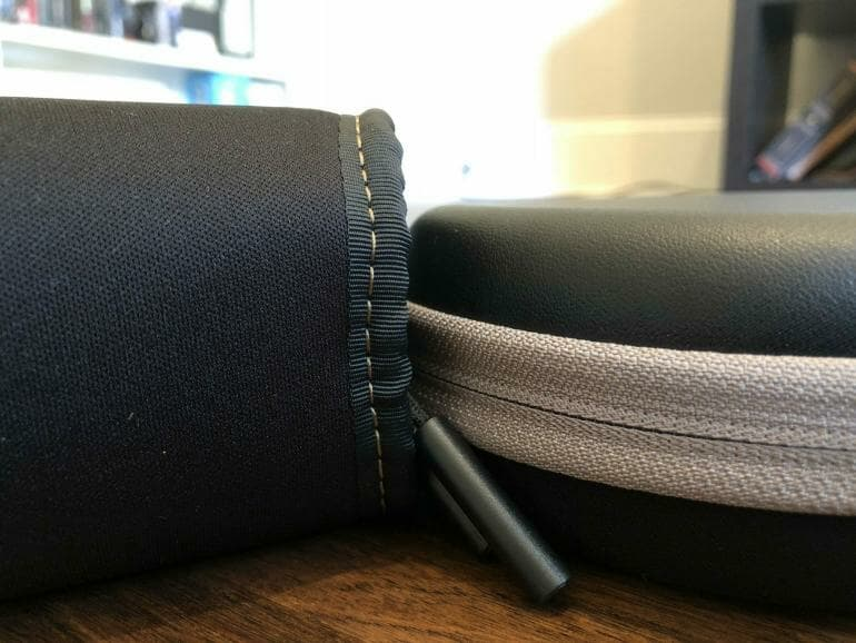 Sennheiser HD1 vs. Sony WH-1000XM2 storage pouch