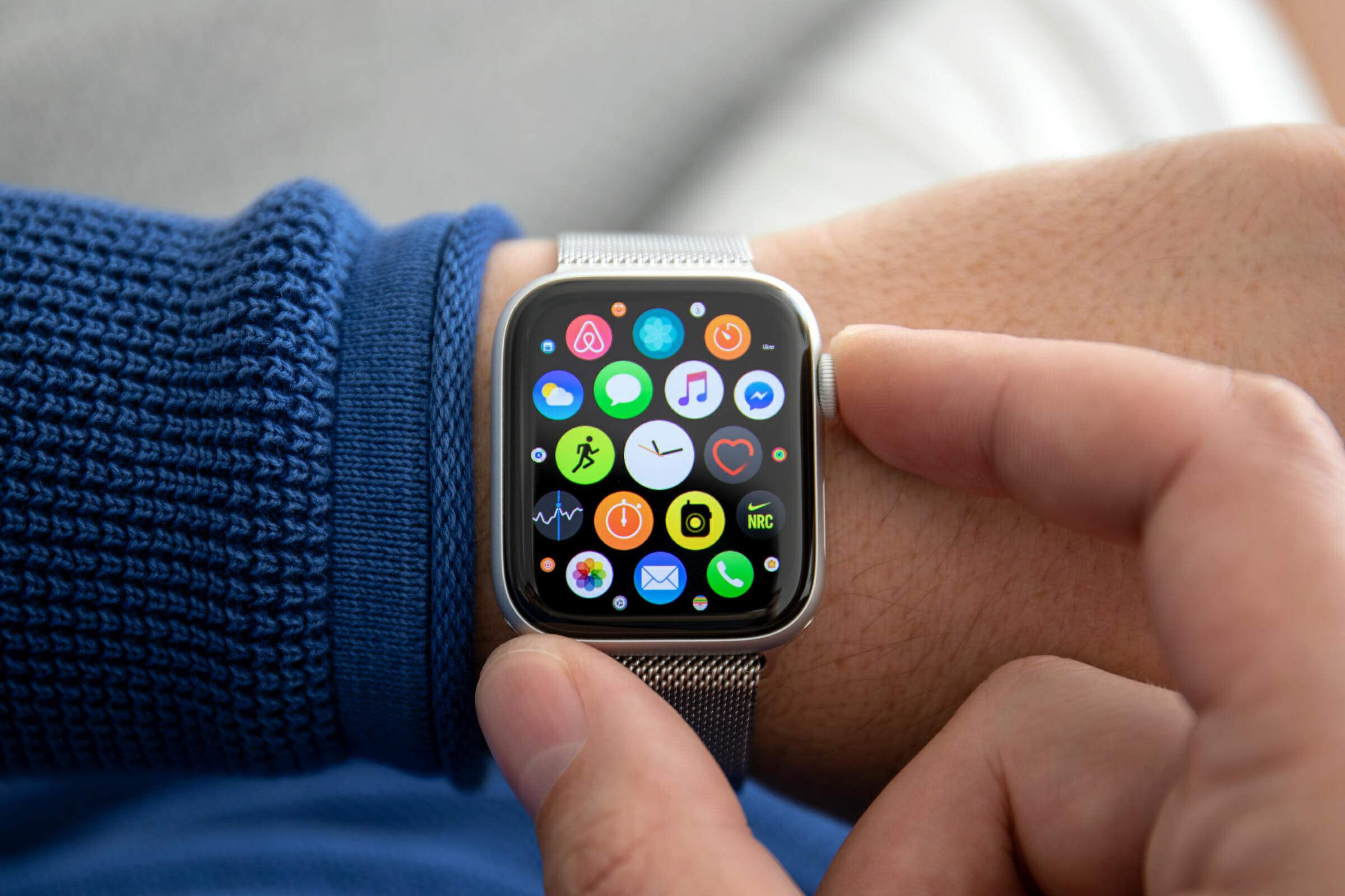 Desigualdad lado Paquete o empaquetar  Apple Watch Series 3 vs. Series 4 - Should You Upgrade?