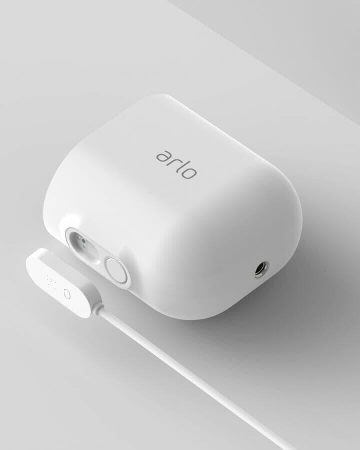 Arlo Ultra Magnetic Charging Port
