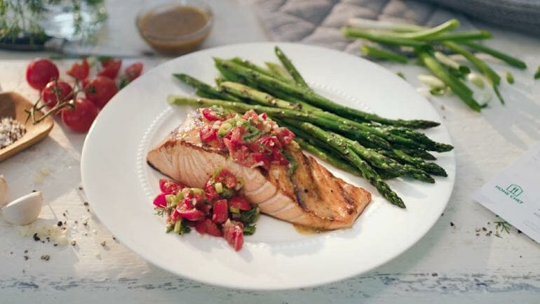 Home Chef - Salmon with asparagus