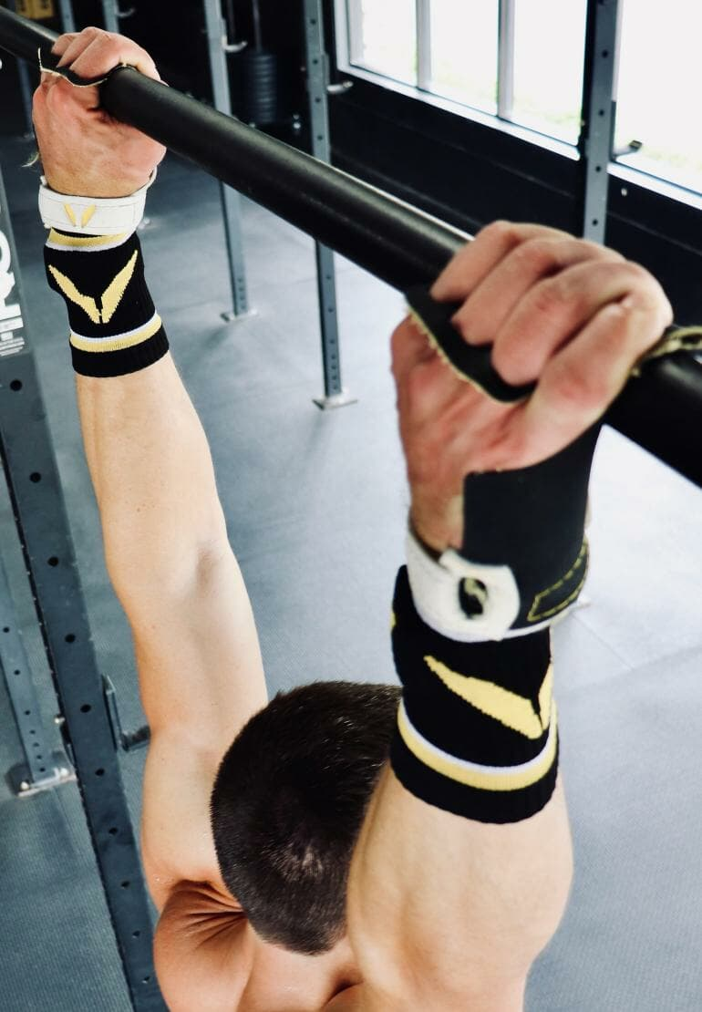 Victory Grips - Tactical on pull-up bar (1)