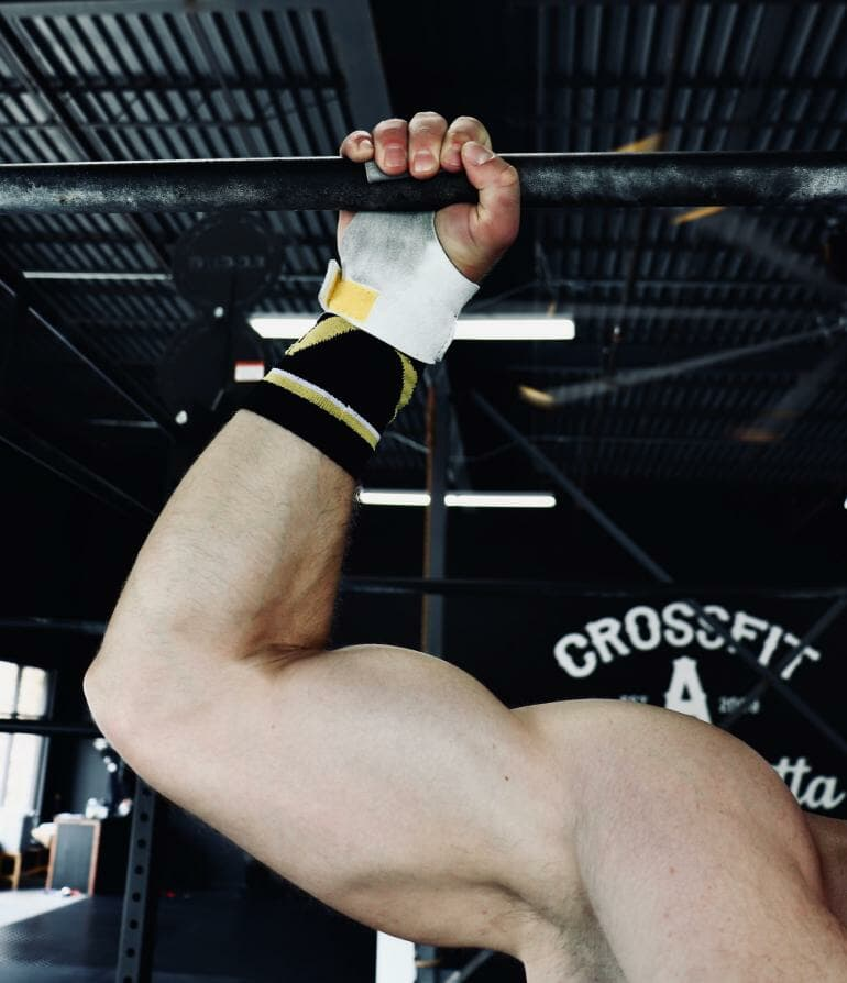 Victory Grips - X2 on a pull-up bar (square)