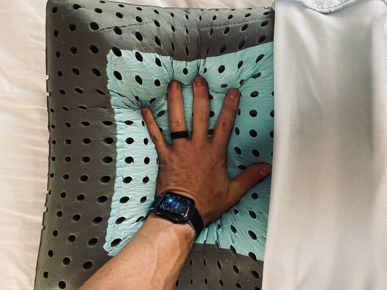 Carbon Air Pillow - Hand impression