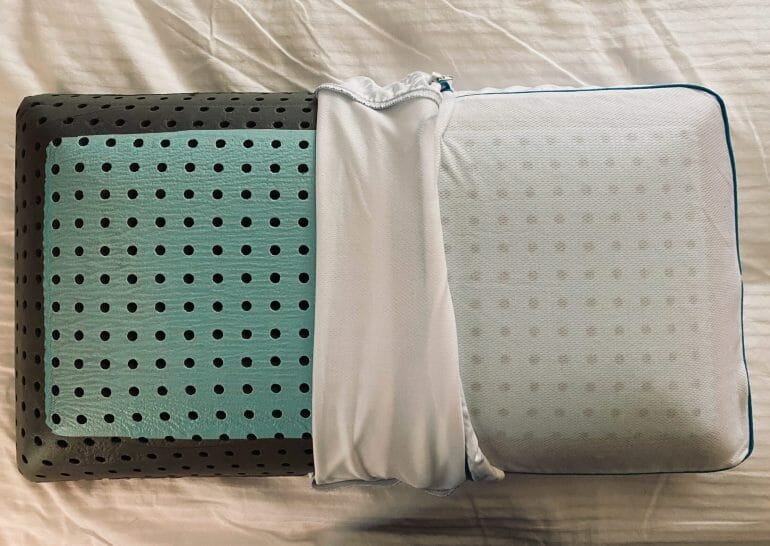 Carbon Air Pillow - Perforated memory foam