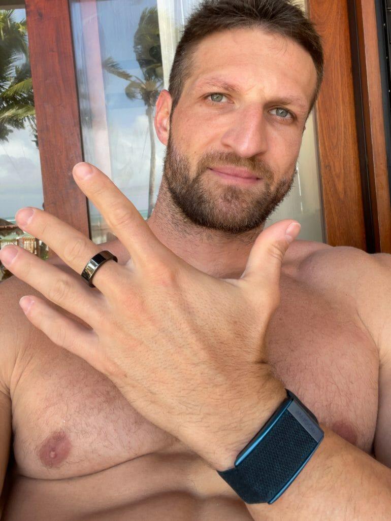 Ring vs. wrist strap